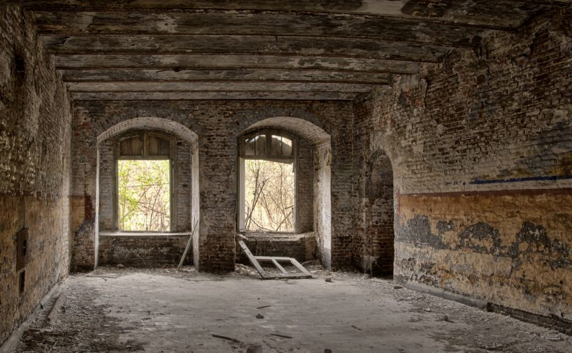 Stosownie z aktualnymi regulaminami świeżo budowane domy muszą być oszczędnościowe.